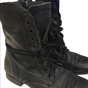 Steve Madden Troopa Combat boots Black lace up